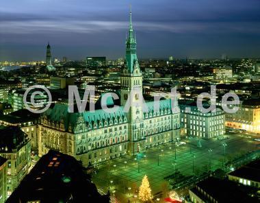 Rathaus und Michaeliskirche -